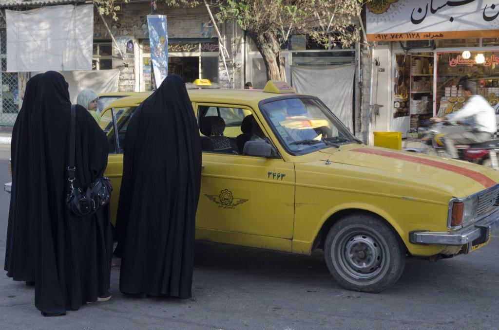 Qom taxi